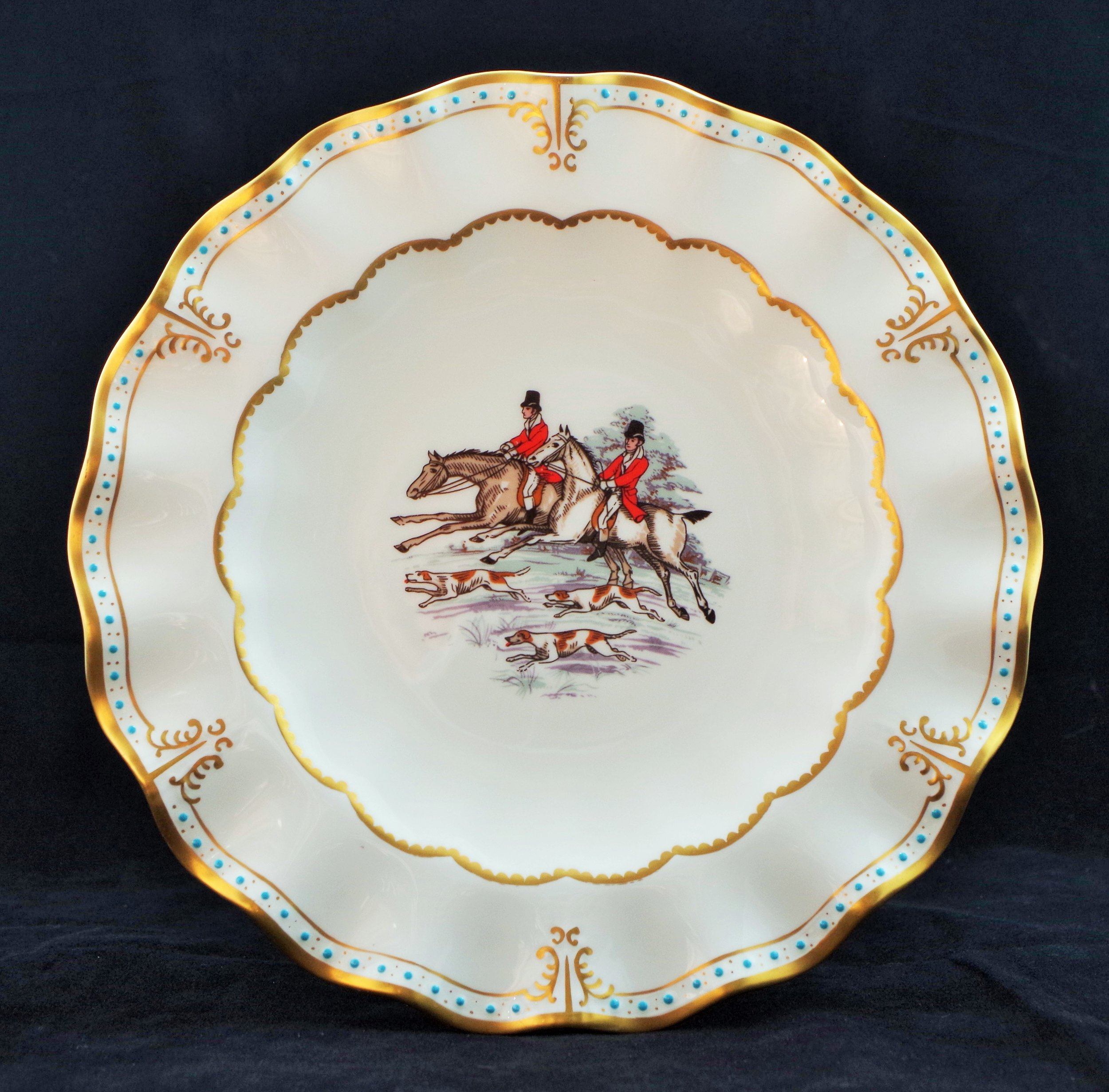 royal-crown-derby-royal-hand-painted-hunting-scenes