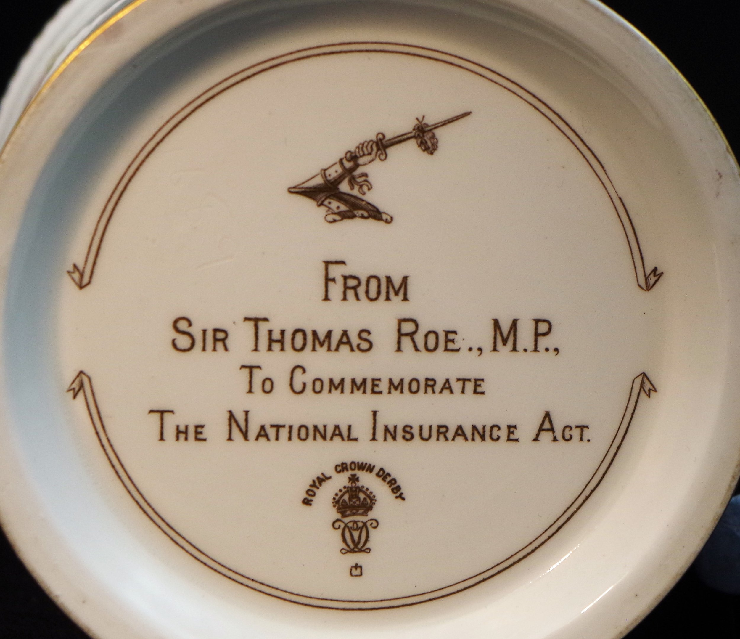royal-crown-derby-replica-thomas-roe-mug-mark