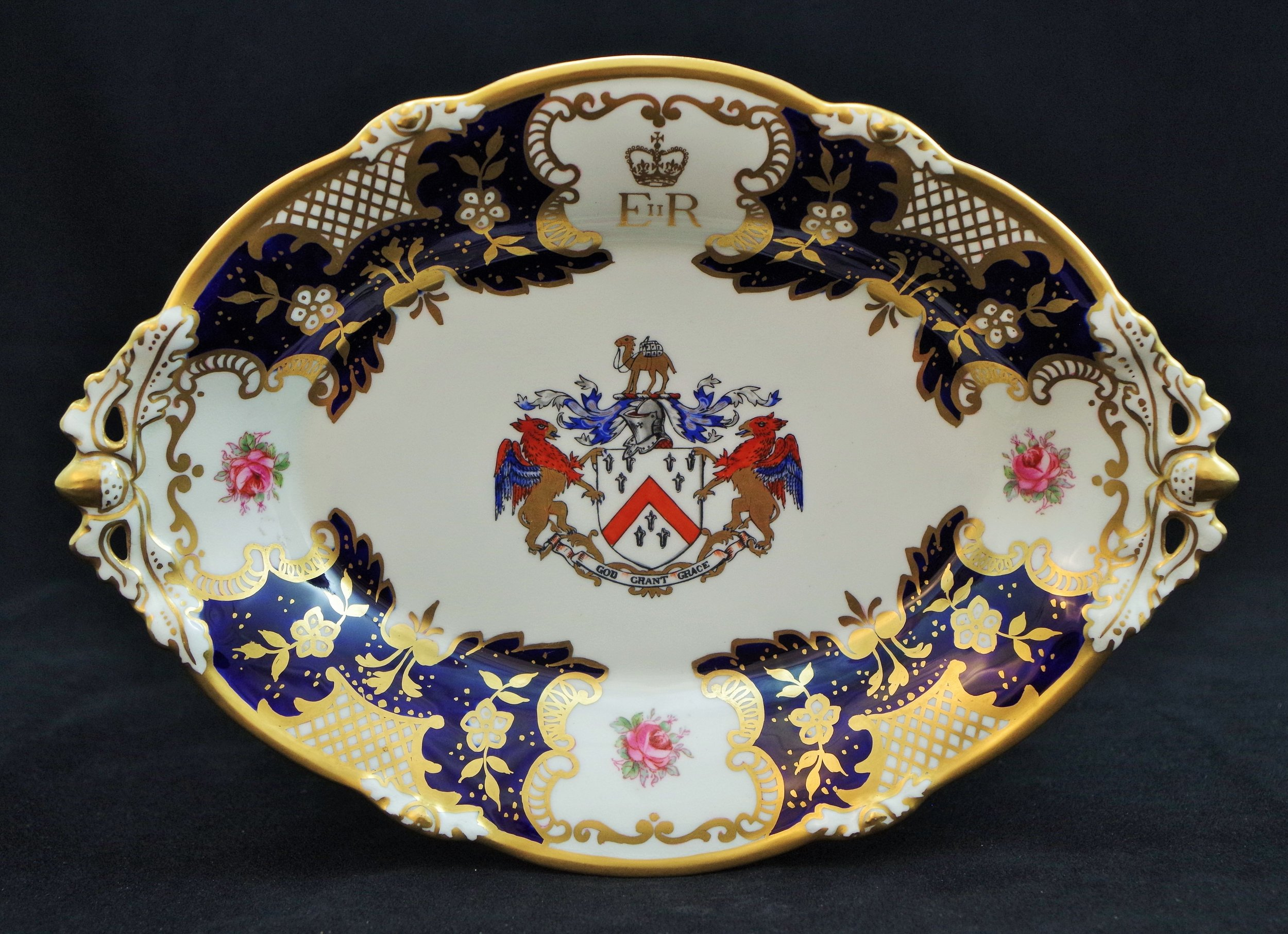 royal-crown-derby-cake-basket-1685-oval-the-worshipful-company-of-grocers-A1043