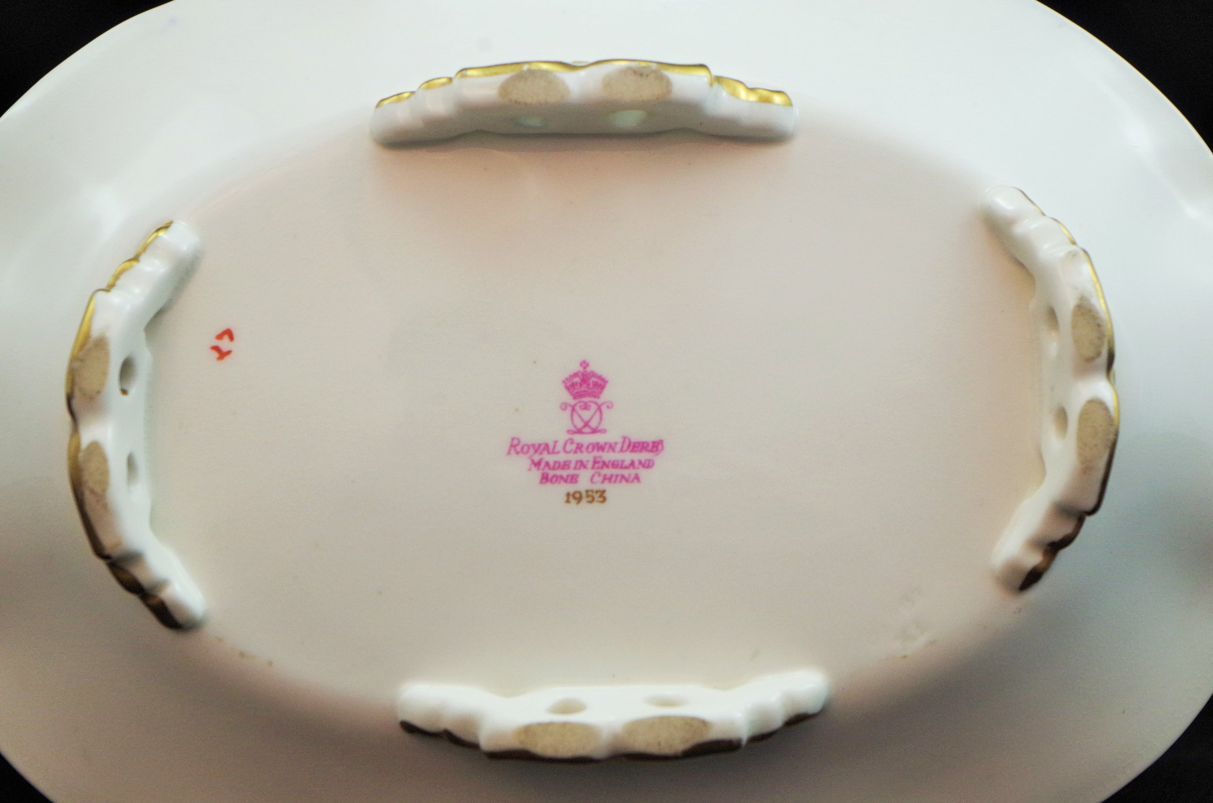 royal-crown-derby-cake-basket-1685-oval-the-worshipful-company-of-grocers-A1043-mark