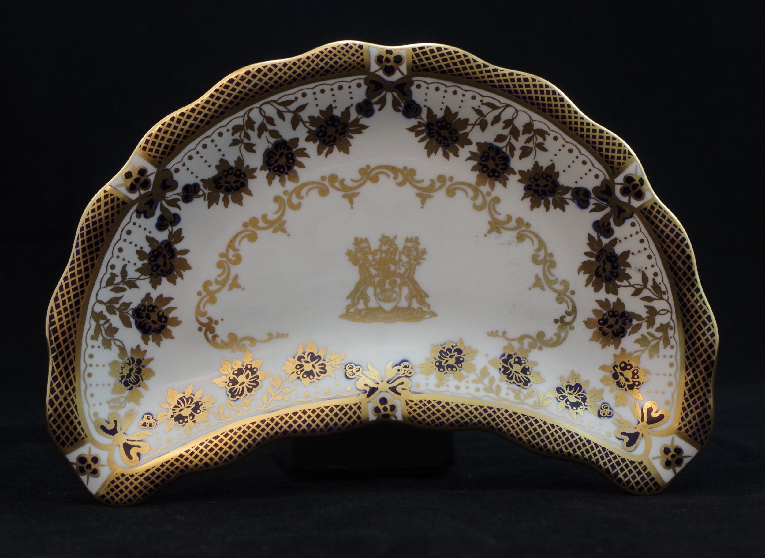 royal-crown-derby-crescent-salad-blue-enamel-borough-of-derby-crest
