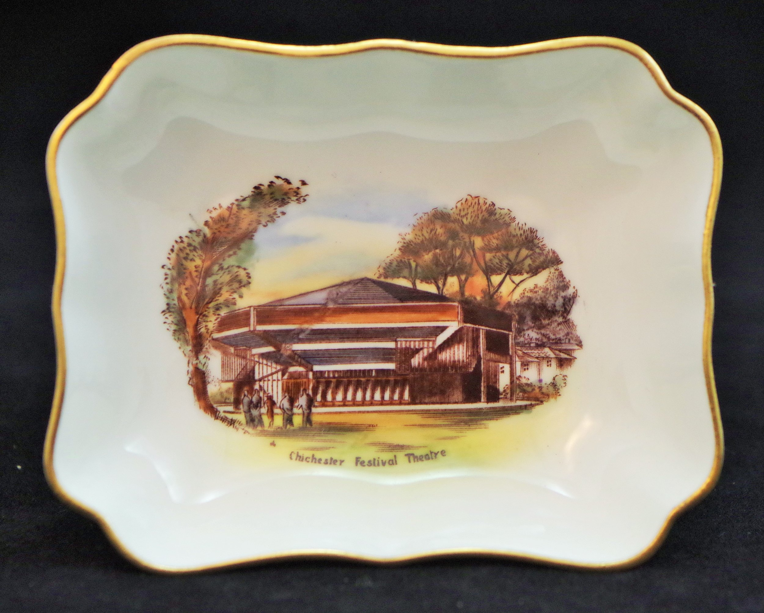 royal-crown-derby-1800-shape-oblong-tray-chichester-festival-theatre