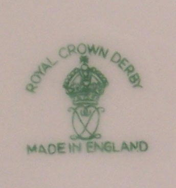 royal-crown-derby-gadroon-green-ground-FOC-monogram-mark-A968