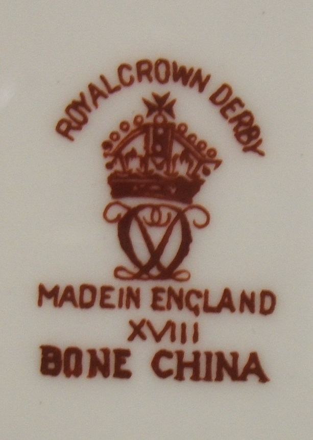 royal-crown-derby-shah-of-persia-heraldic-gold-A1066-mark