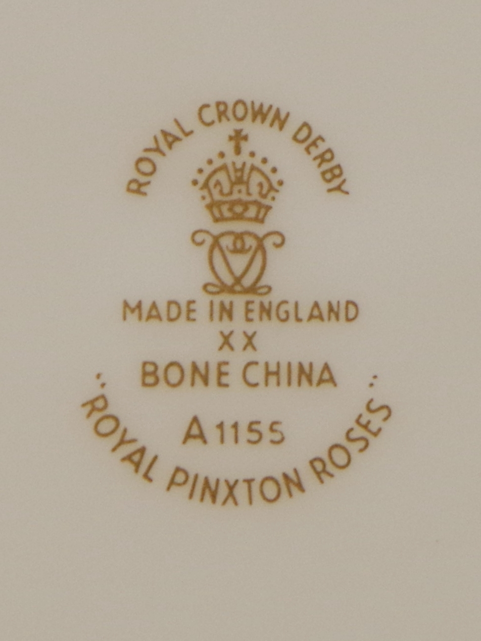 royal-crown-derby-king-faisal-II-iraq-royal-pinxton-roses-mark