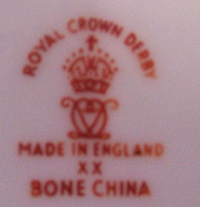 royal-crown-derby-heraldic-gold-ghana-mark