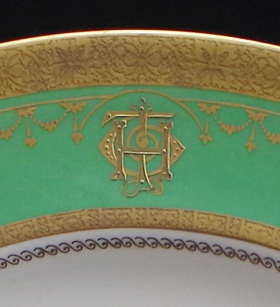 royal-crown-derby-monogrammed-jimmy-thomas-MP-plate-close-up