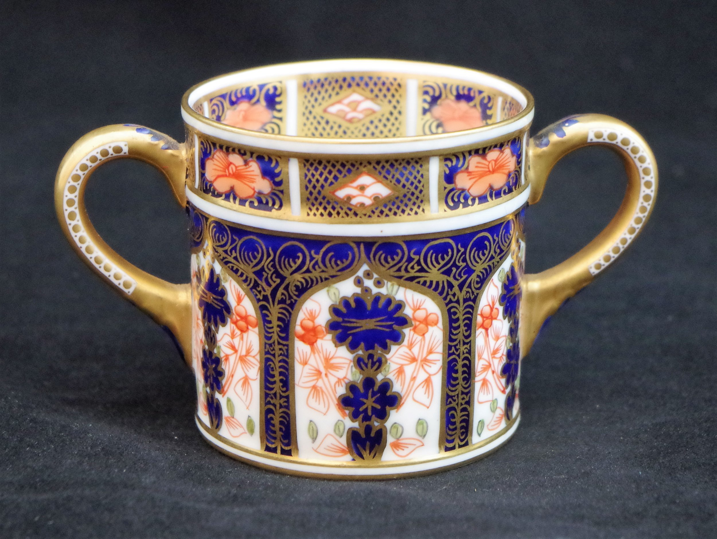 royal-crown-derby-derby-hospital-day-loving-cup-1128-reverse