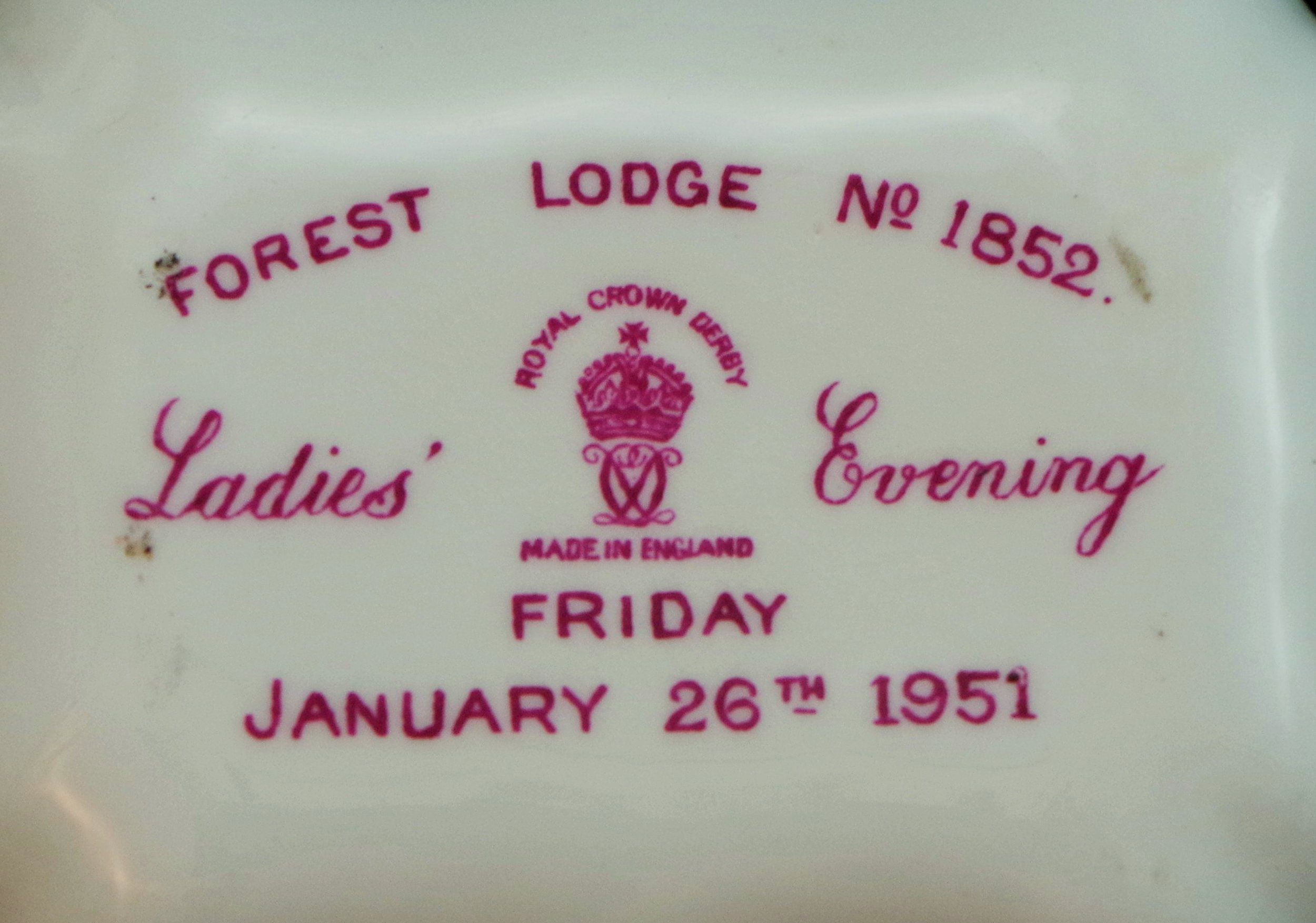 royal-crown-derby-1800-shape-tray-salmon-posie-forest-lodge-1852-ladies-evening-1951-mark