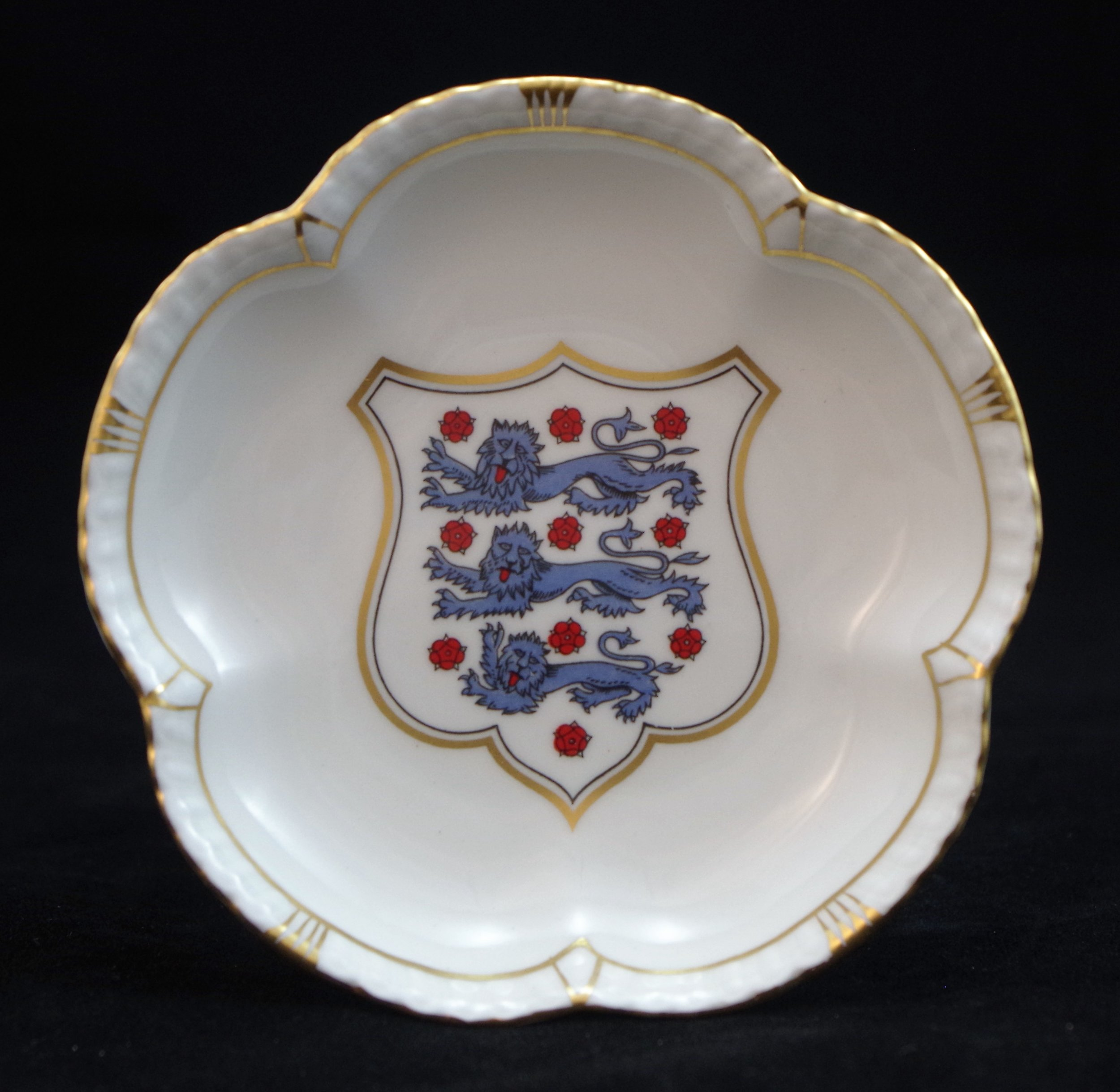 royal-crown-derby-tudor-rose-tray-jack-burkett-10th-november-1958