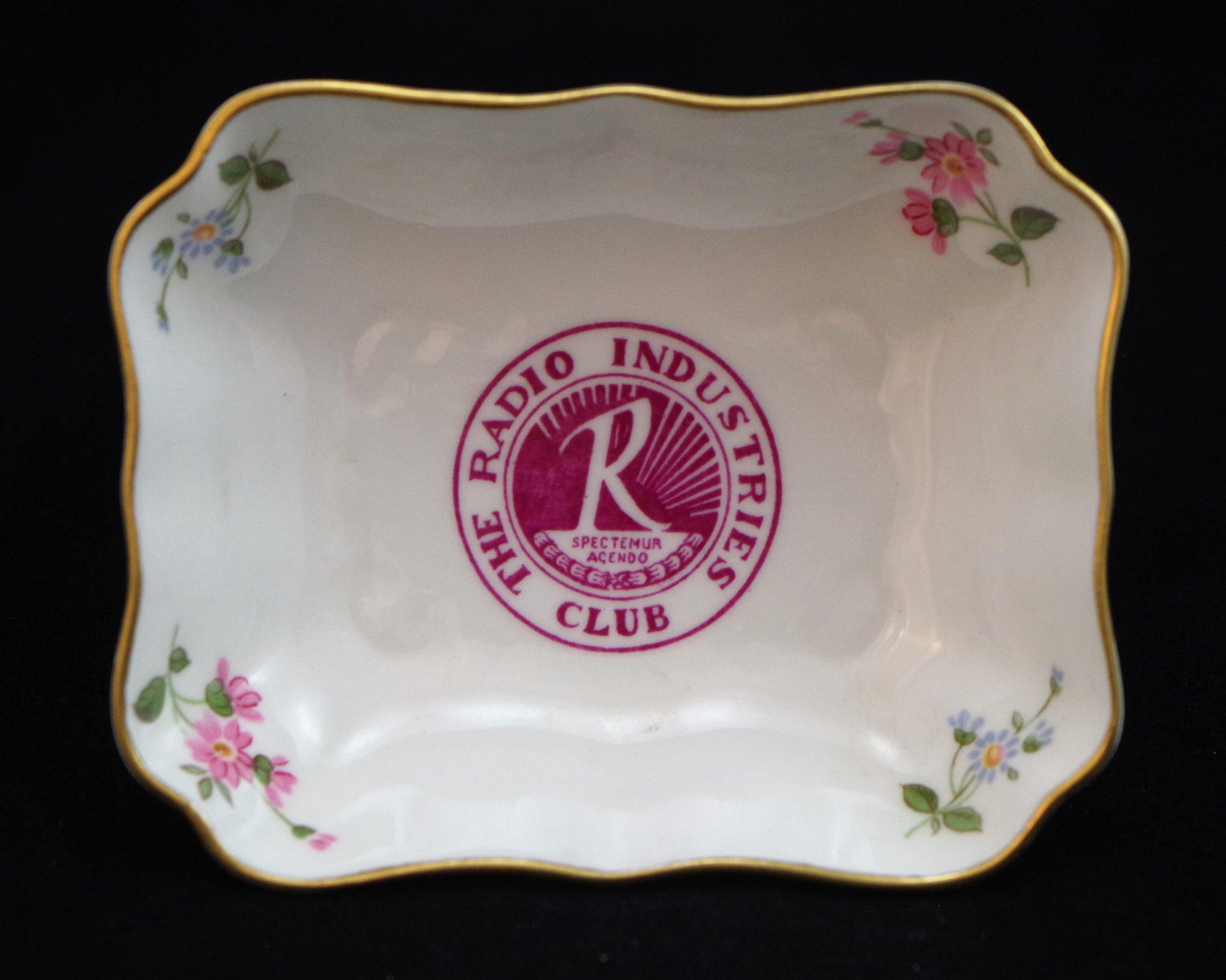 royal-crown-derby-1800-shape-oblong-tray-radio-industries-club