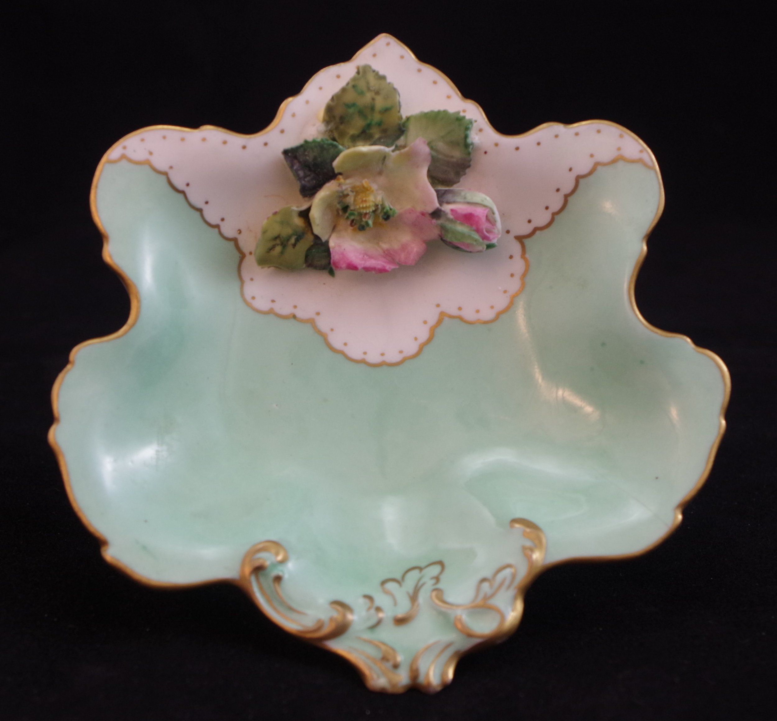 royal-crown-derby-celadon-flowered-rockingham-bon-bon