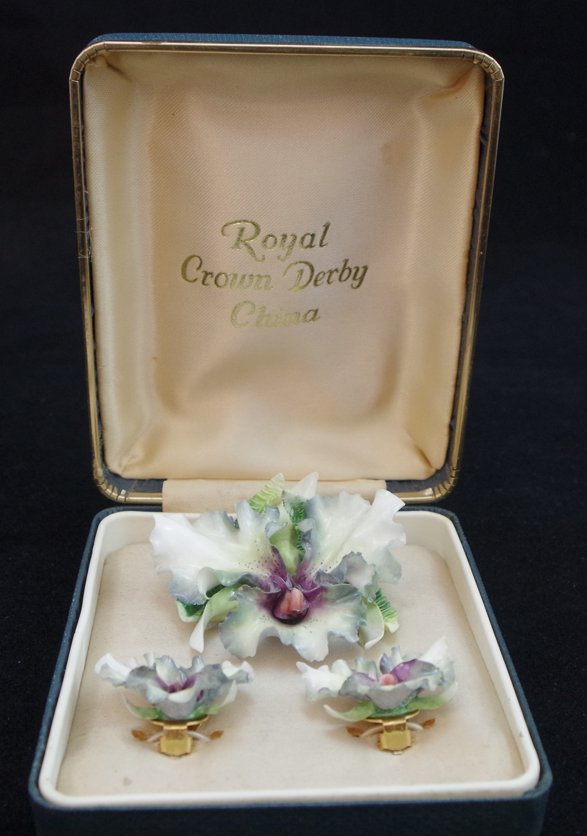 royal-crown-derby-boxed-brooch-earring-set
