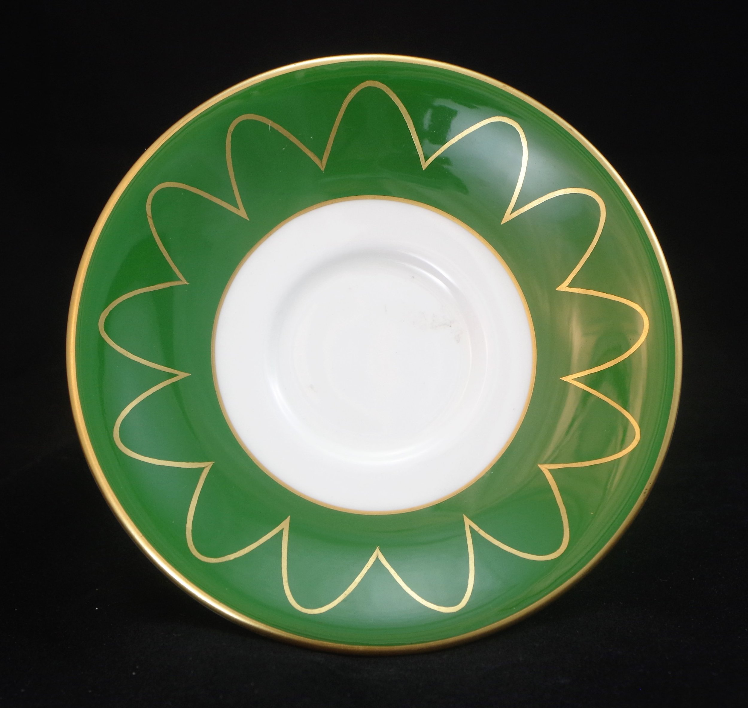 royal-crown-derby-green-ground-gold-parabolas
