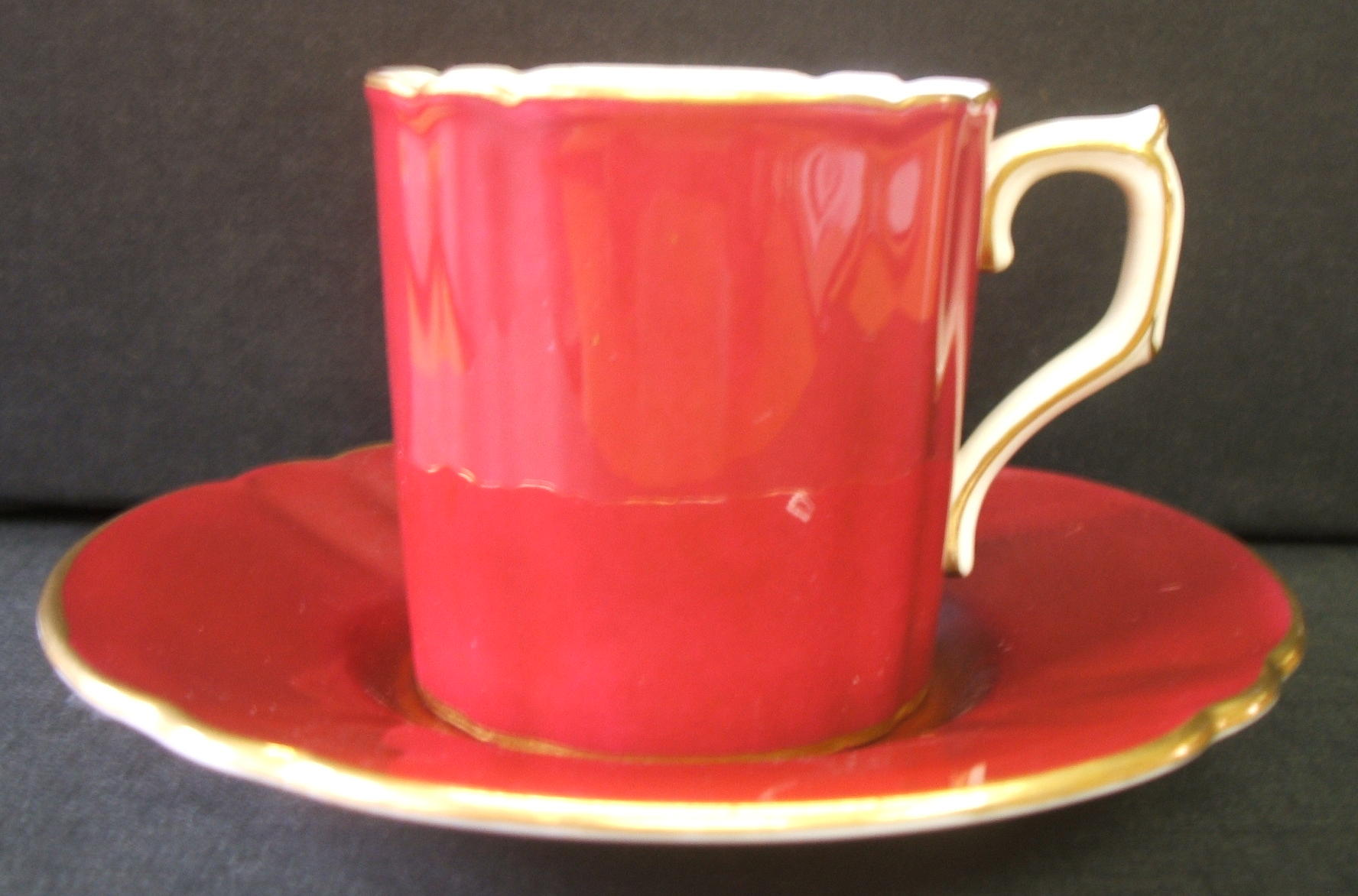 royal-crown-derby-chelsea-shape-coffee-cup-and-saucer-maroon-ground