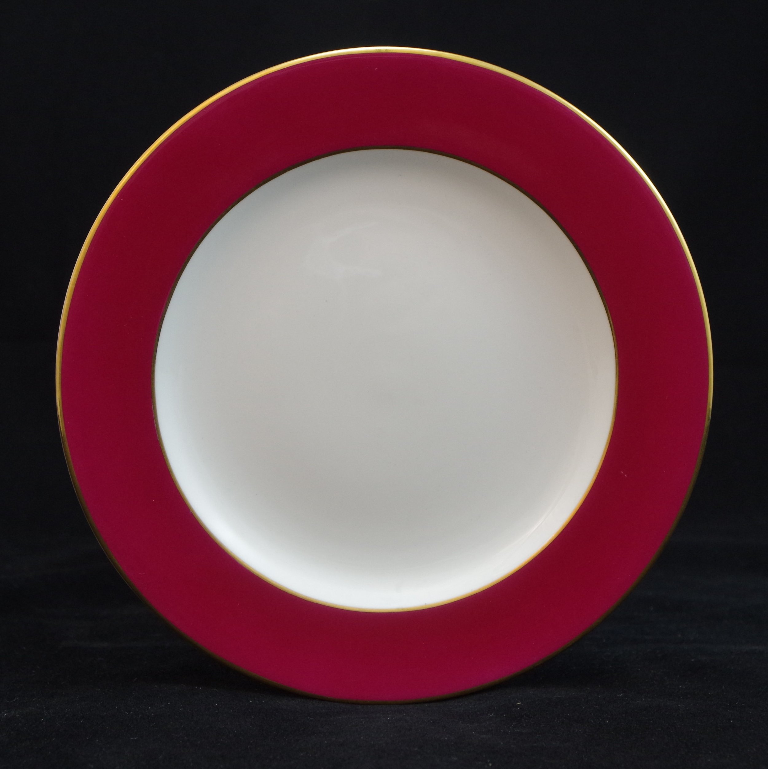 royal-crown-derby-maroon-ground-to-rim-gold-edge-and-centre-line-at-shoulder