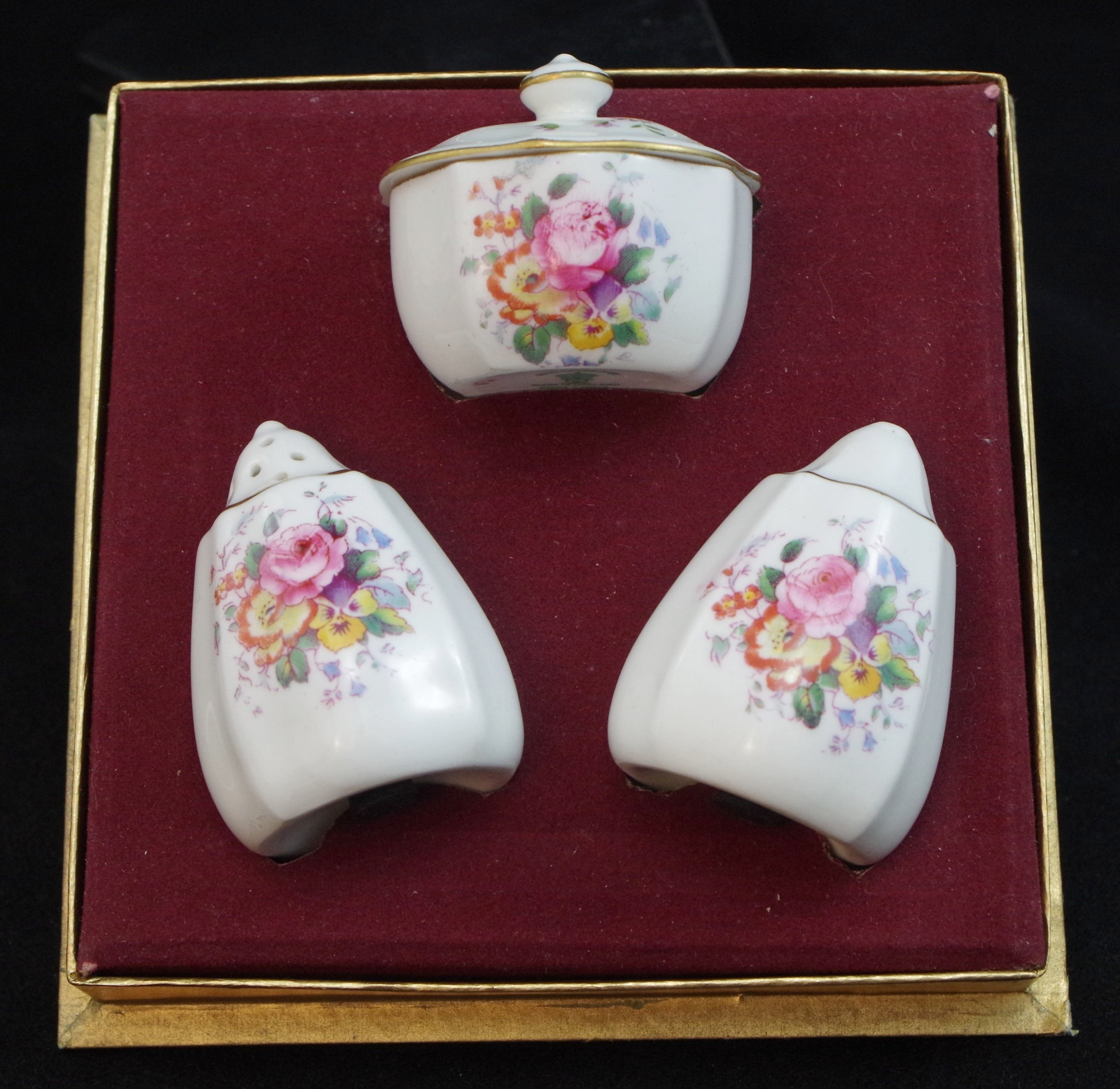 royal-crown-derby-boxed-cruet-set-ellis-spray
