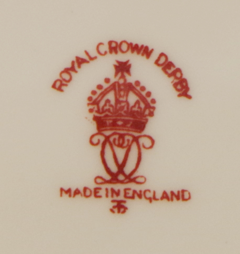 royal-crown-derby-unknown-pattern-number-violets-mark