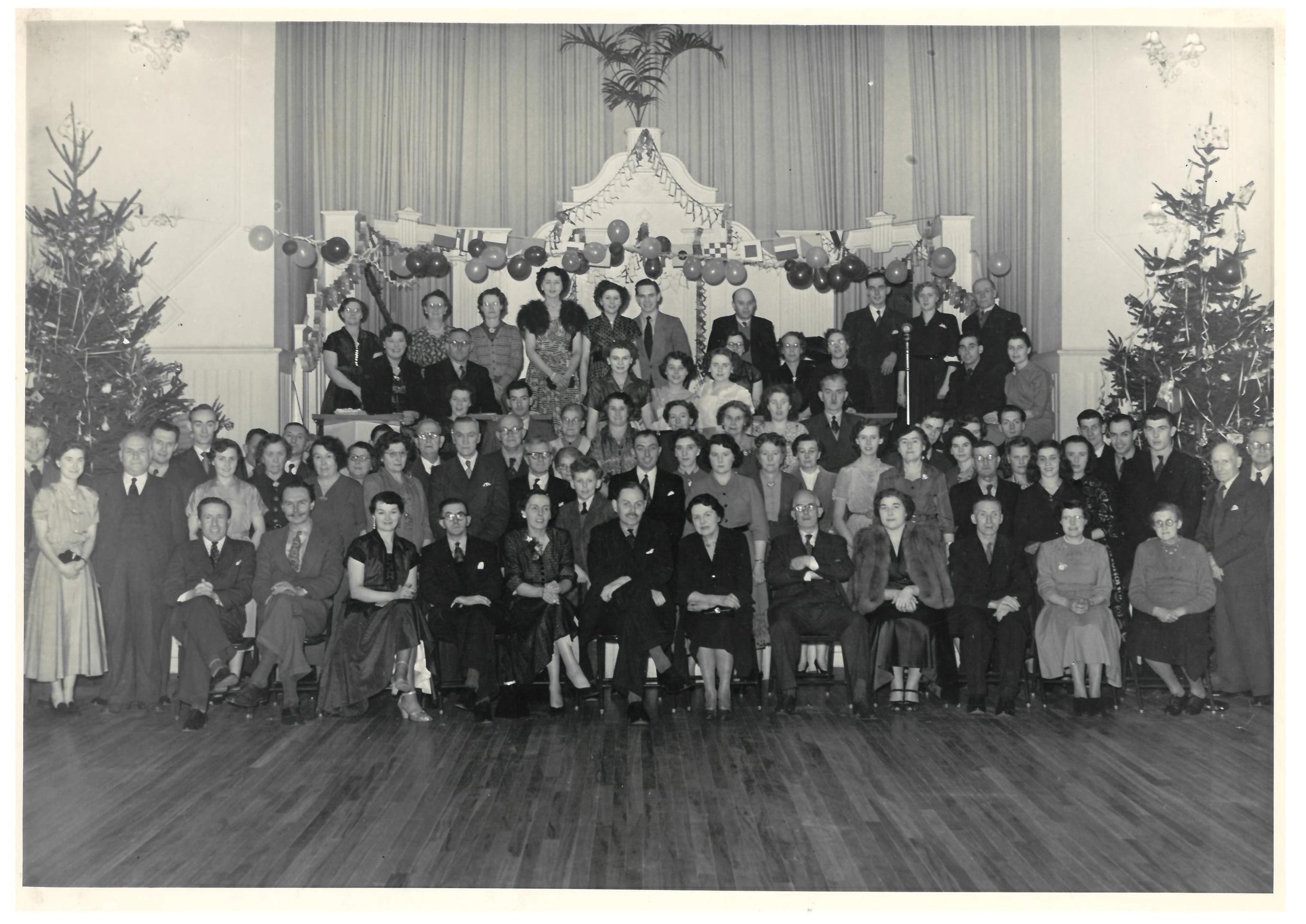 royal-crown-derby-christmas-party-1952