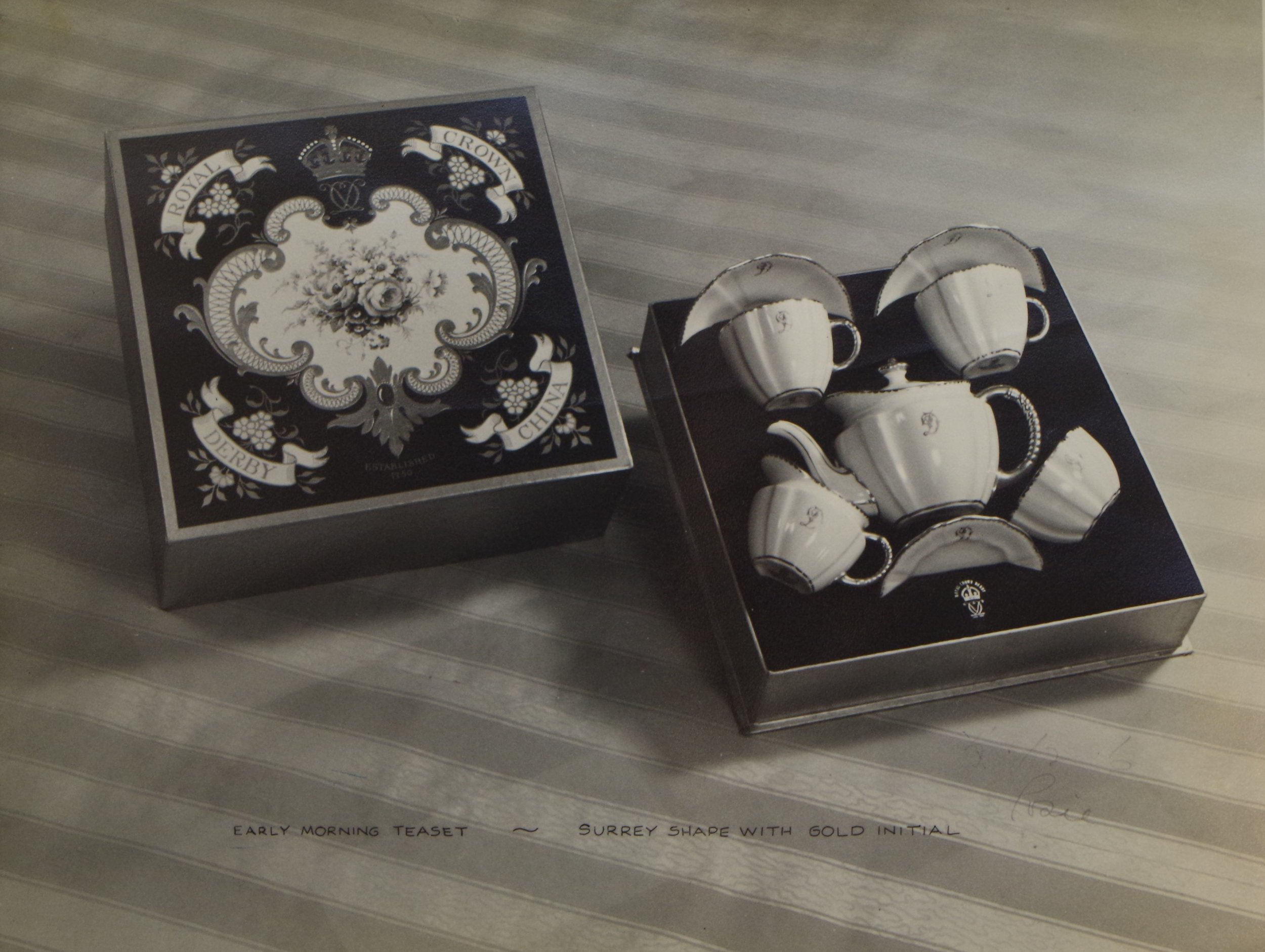 royal-crown-derby-boxed-monogrammed-teaset