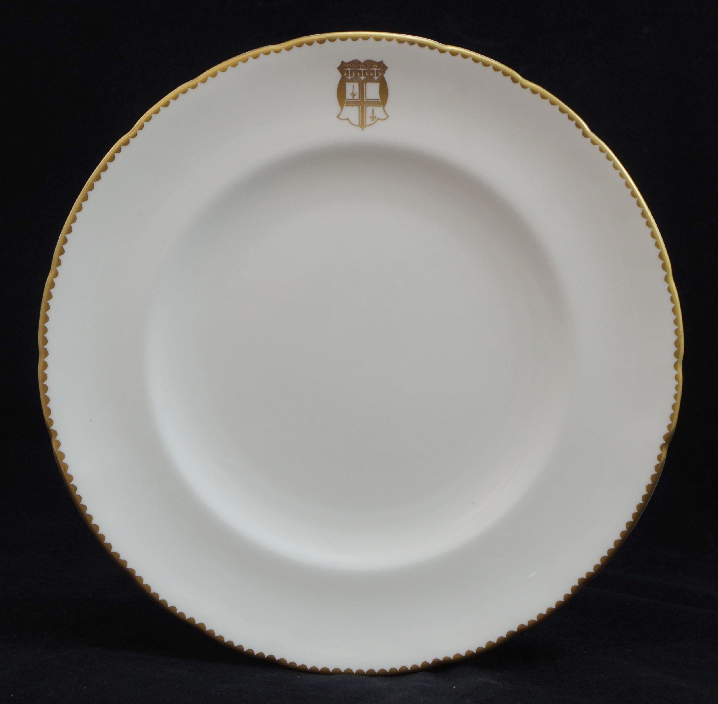 royal-crown-derby-chelsea-unknown-crest-plate