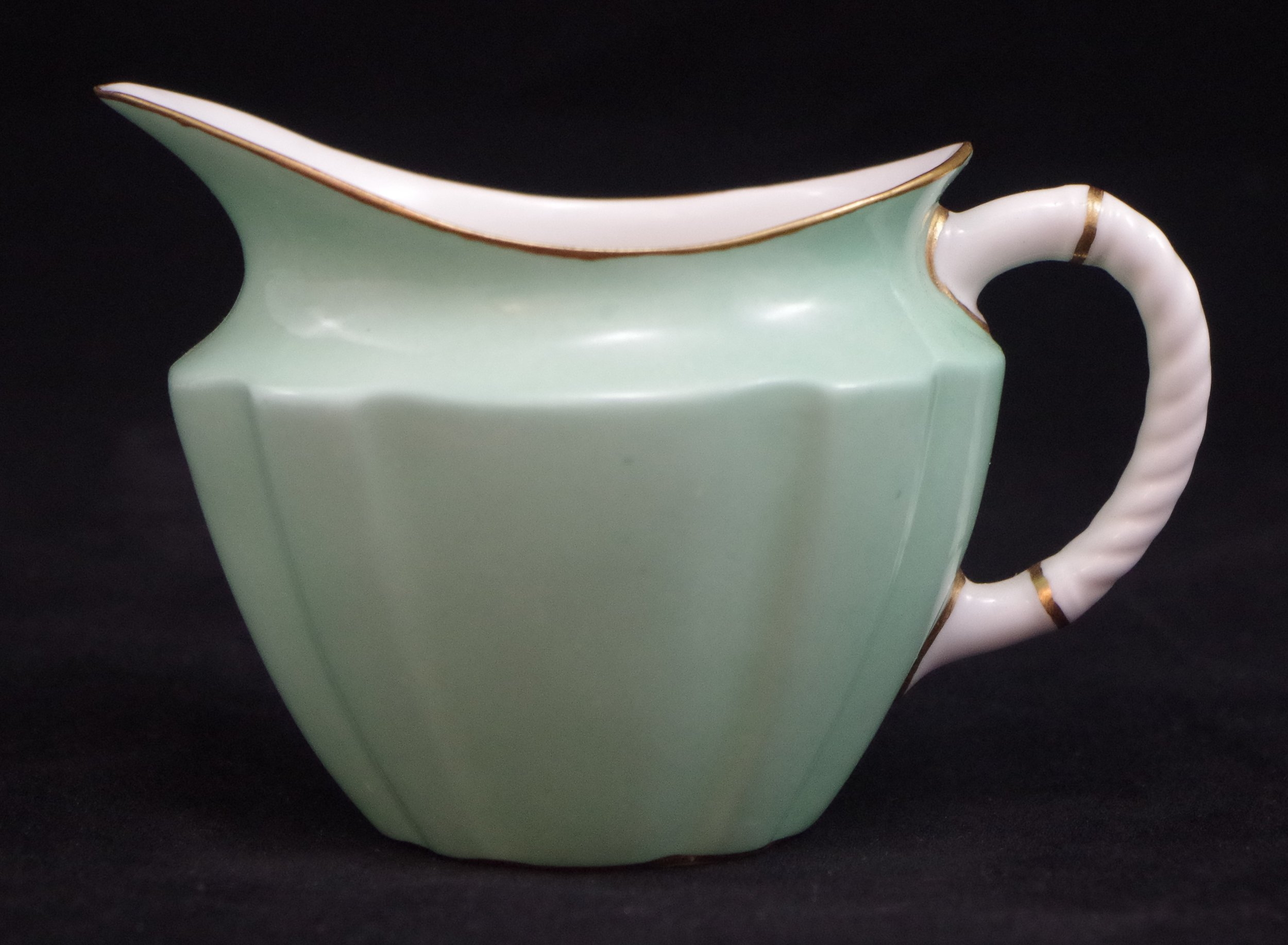 royal-crown-derby-surrey-shape-tea-cream-celadon-ground