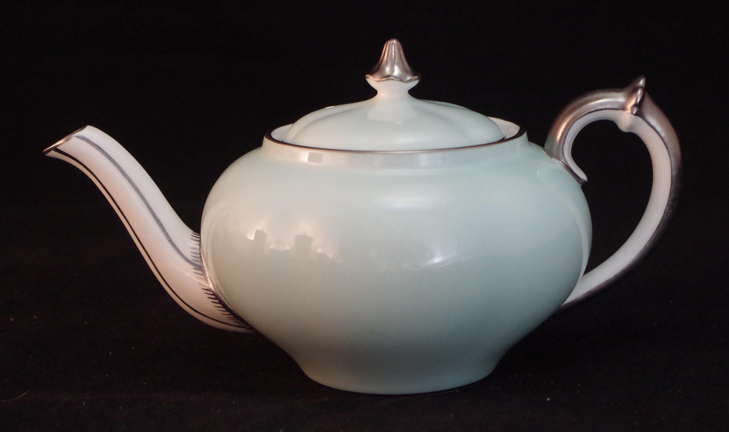 royal-crown-derby-teapot-A67