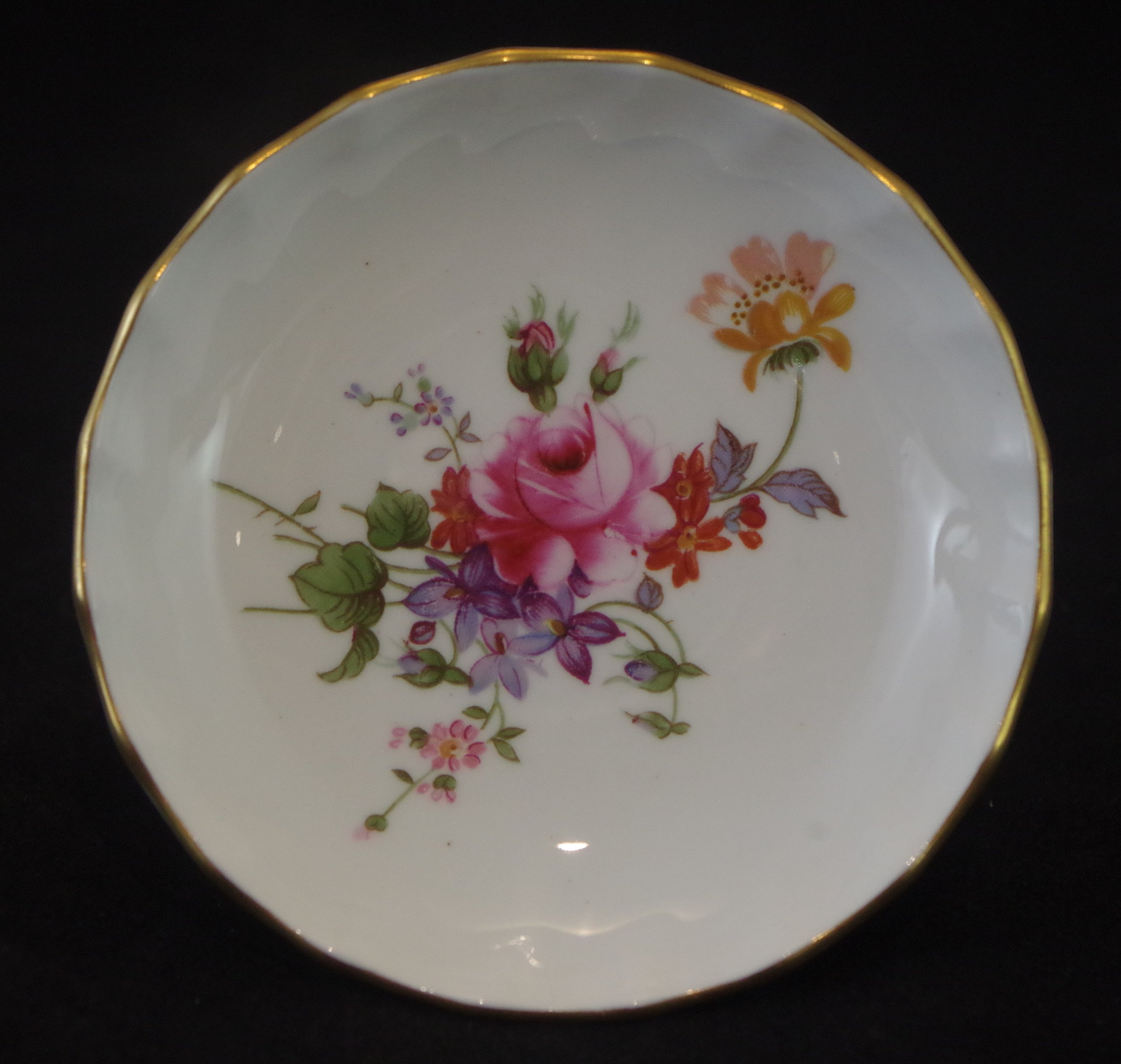 royal-crown-derby-boston-round-tray-posie-centre