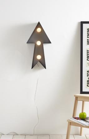 Arrow Metal Table Lamp