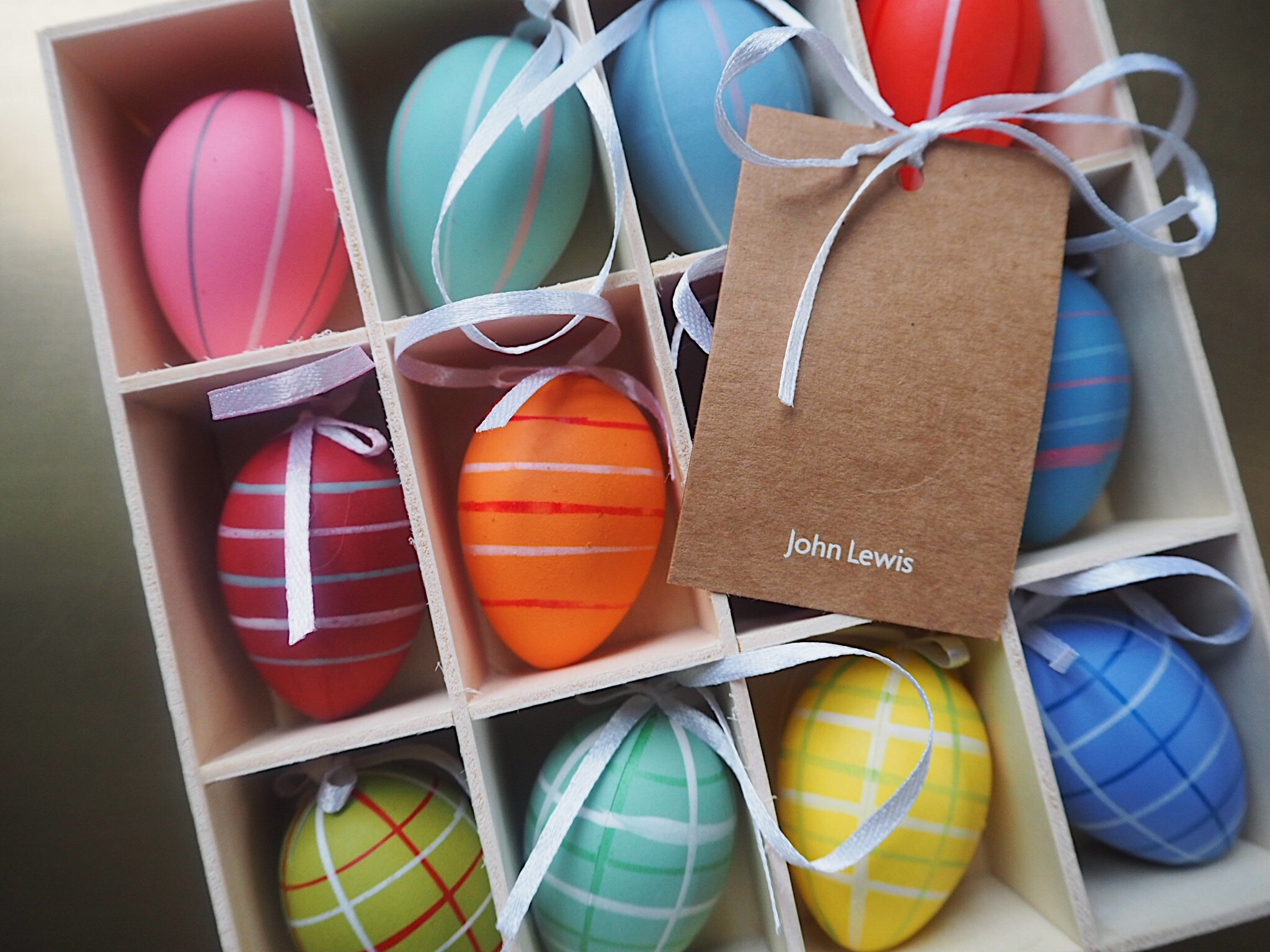 This beautiful box of 12 decorative eggs is only £8