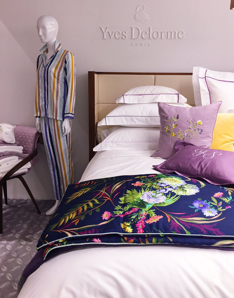 Dear Santa, please let me have this silk bed throw for Xmas. This would make me a very happy woman. Love, Melanie.