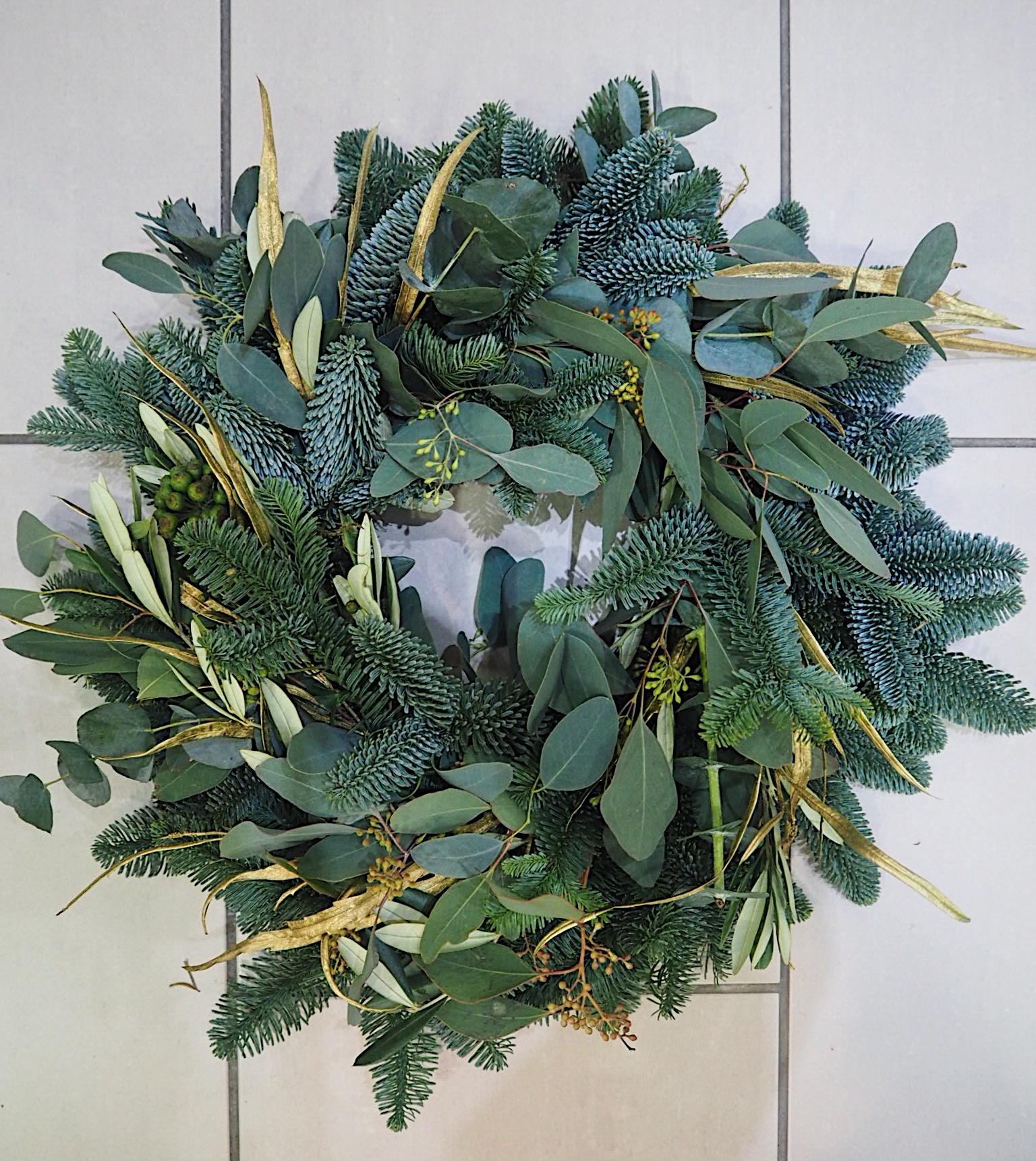 how to make a xmas wreath