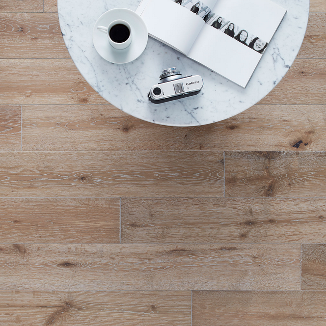 York Grey Washed Oak av Woodpecker Flooring.  Bildkredit: hackspettgolv.