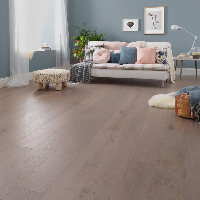 Salcombe Moonbeam Oak Engineered Floor by Woodpecker Flooring. Image Credit: Woodpecker Flooring.