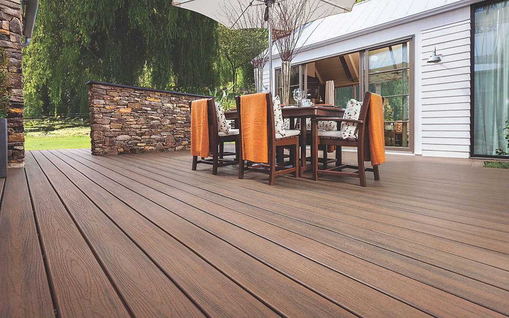 Trex Transcend Decking in Spiced Rum. Image Credit: Trex