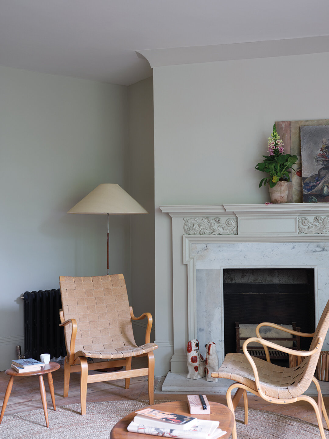 Broccoli Brown, Lake Red, Scotch Blue, Skimmed Milk White, Ash Grey, all Farrow & Ball. Image Credit: Farrow &Ball
