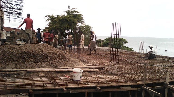 Jul 2015 - Building the roof of the undercellar.