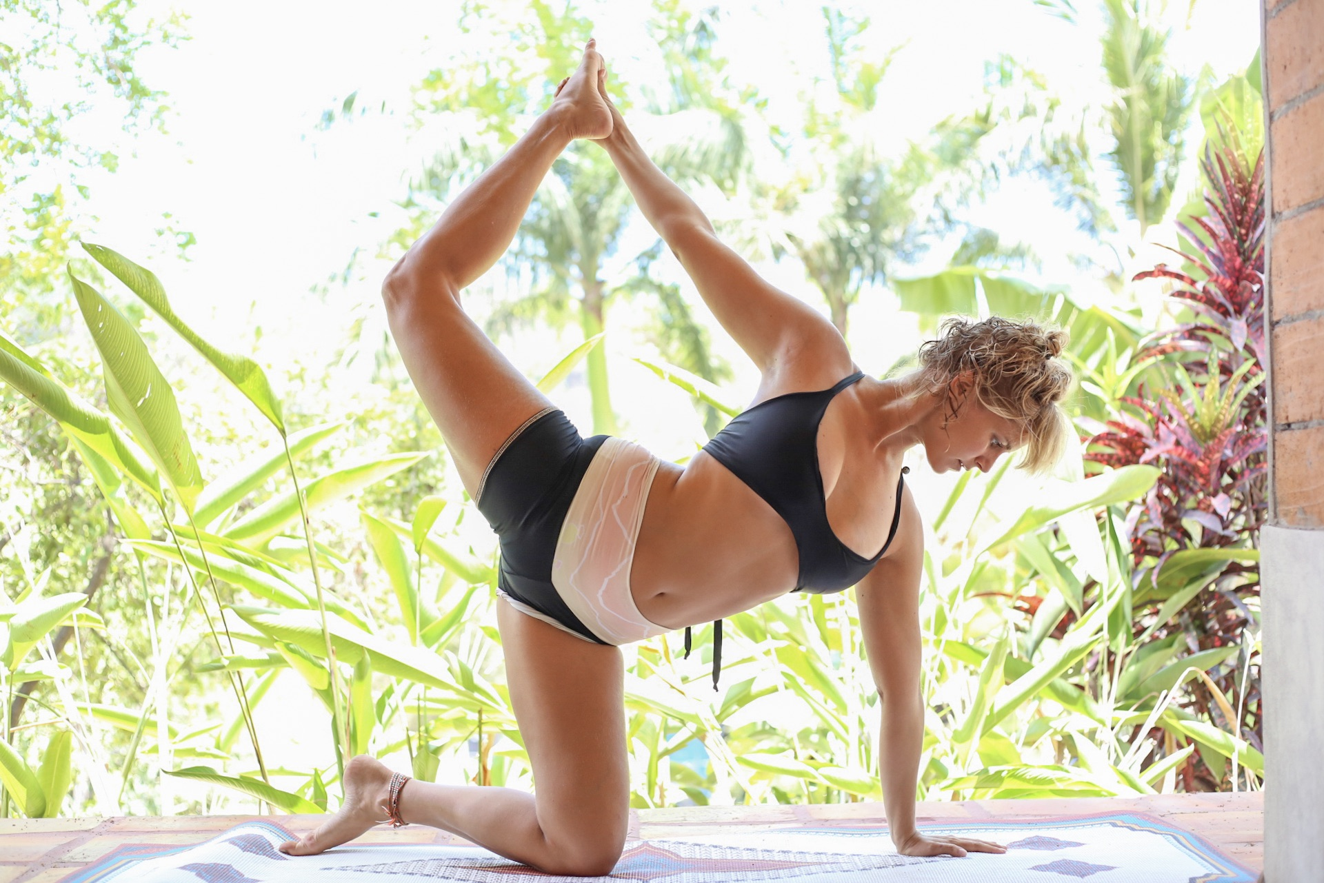 eva_estlander_yoga_retreat_in_sayulita.jpg