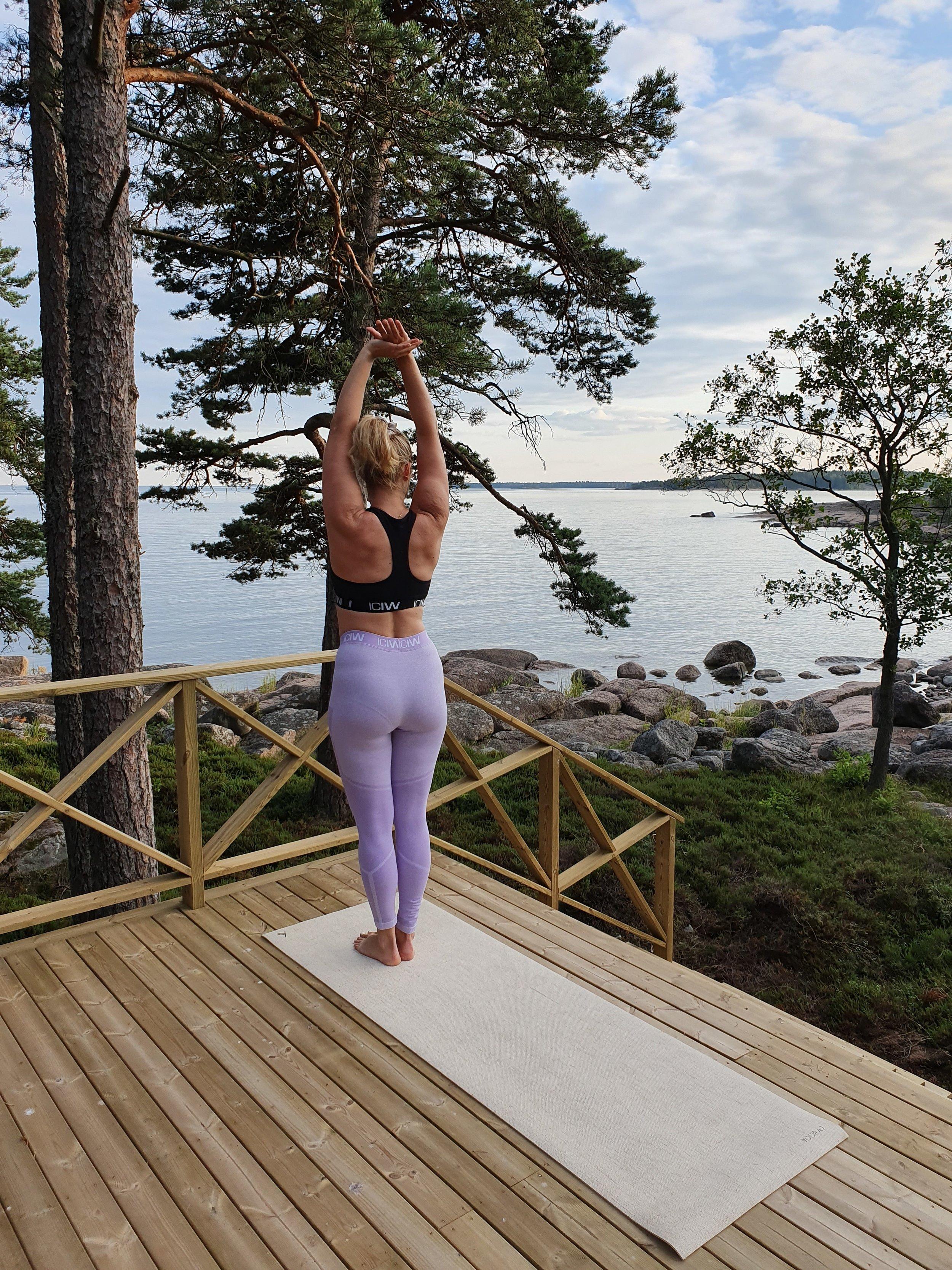 pimp_my_cabin_yoga.jpg