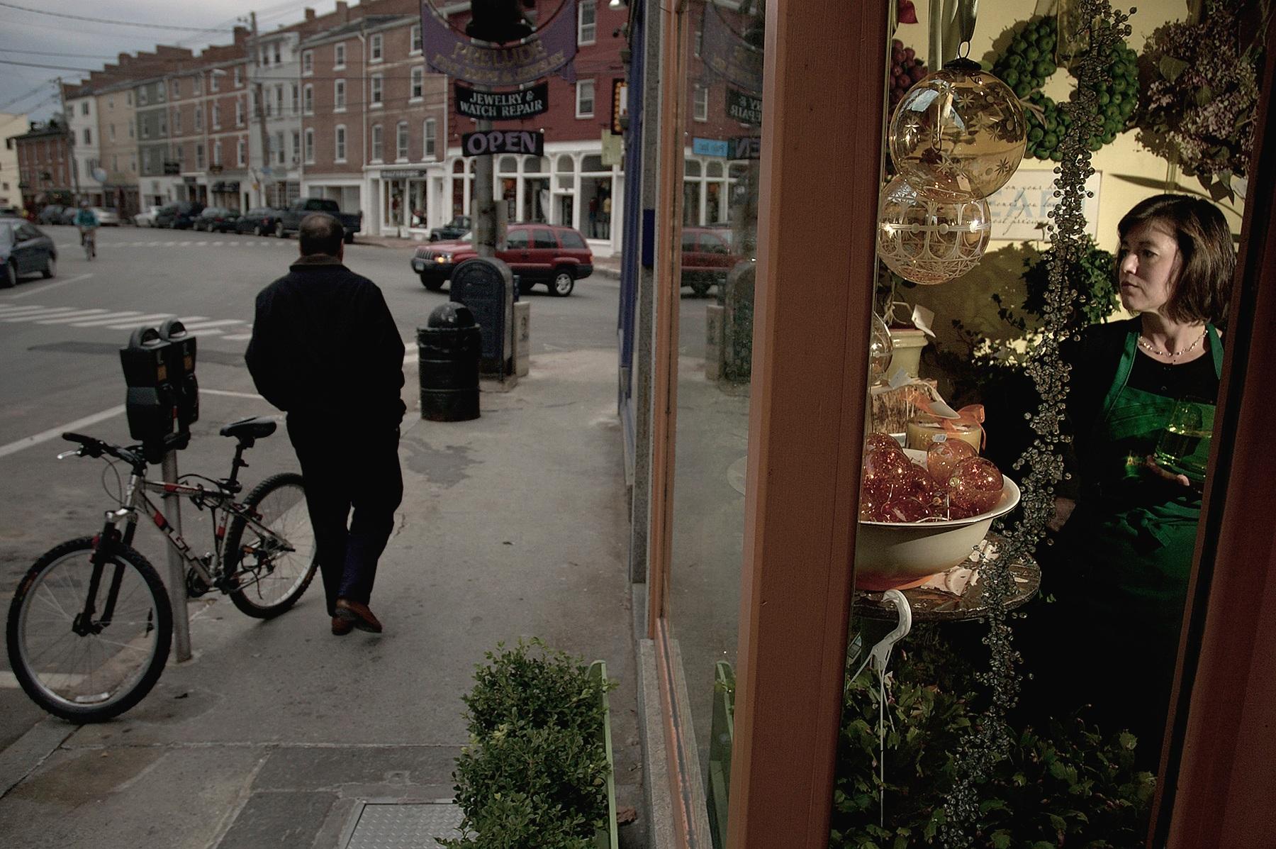 woman-shop-bike copy.jpg