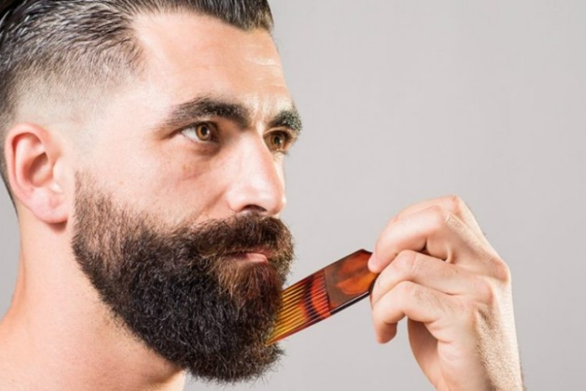 Brushes, Combs & Kit - Gear for Grooming