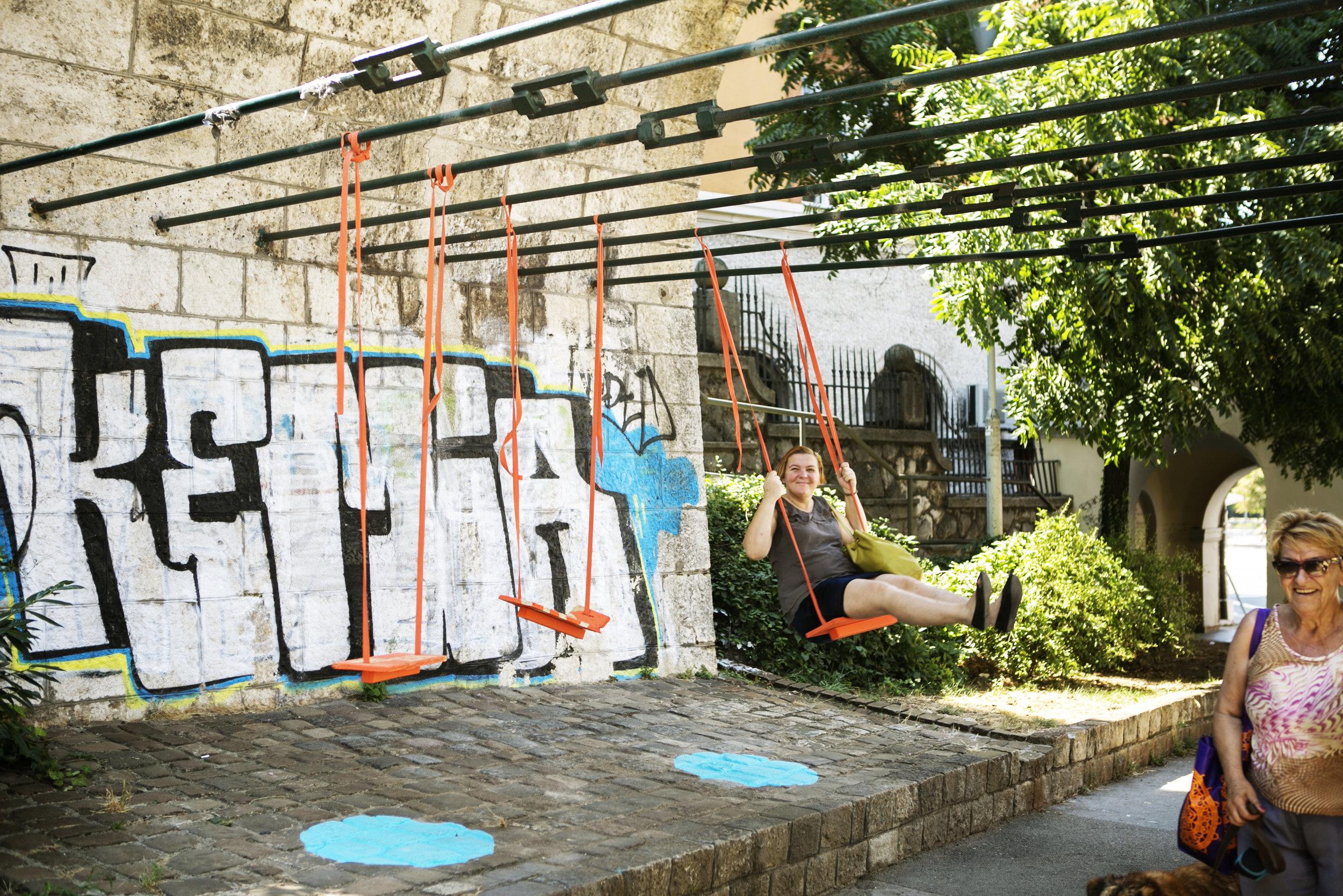 swing dot-Alexandra Kononchenko .jpg