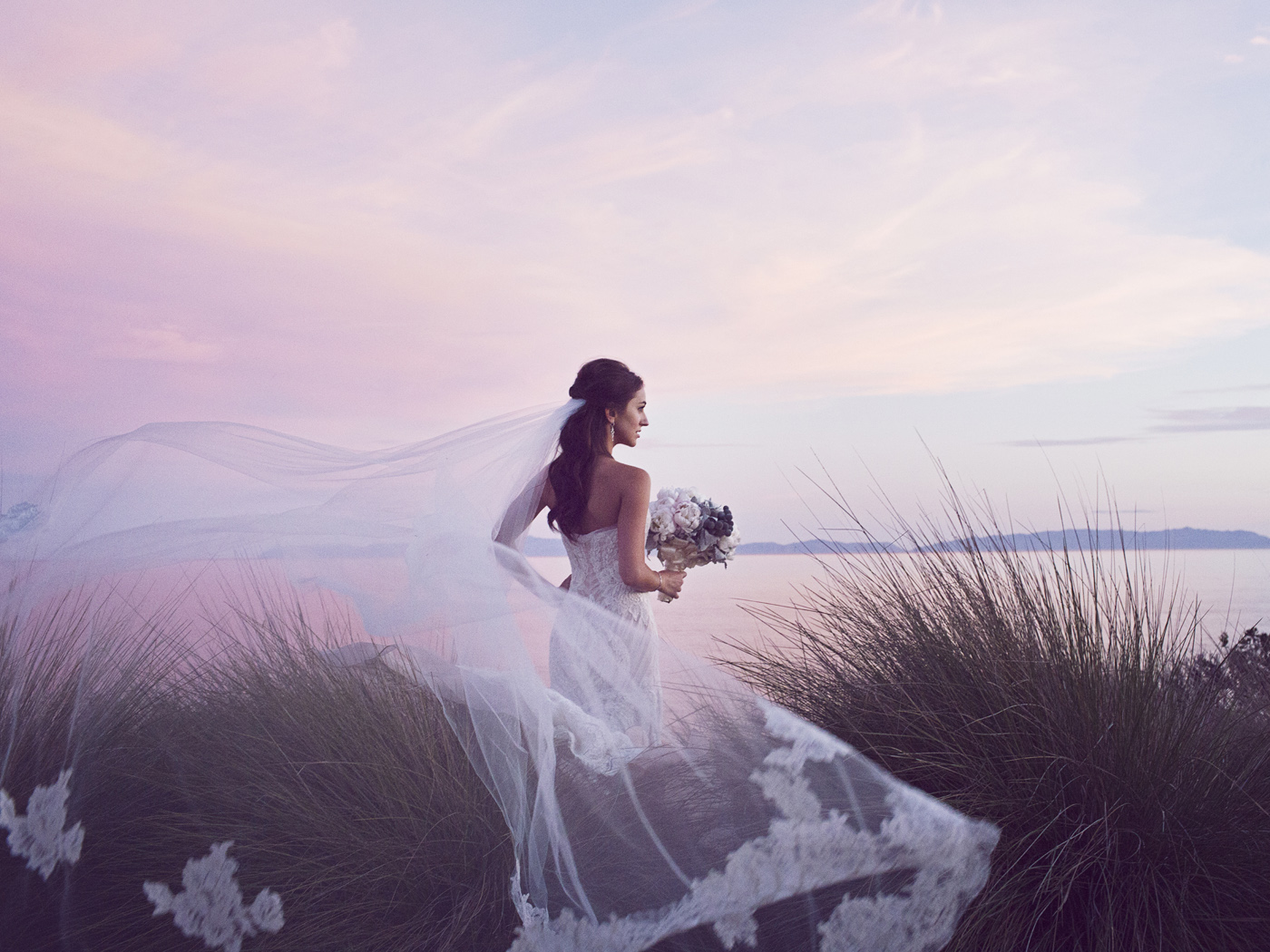 Beach bridal portrait by a wedding photographer in Los Angeles, CA