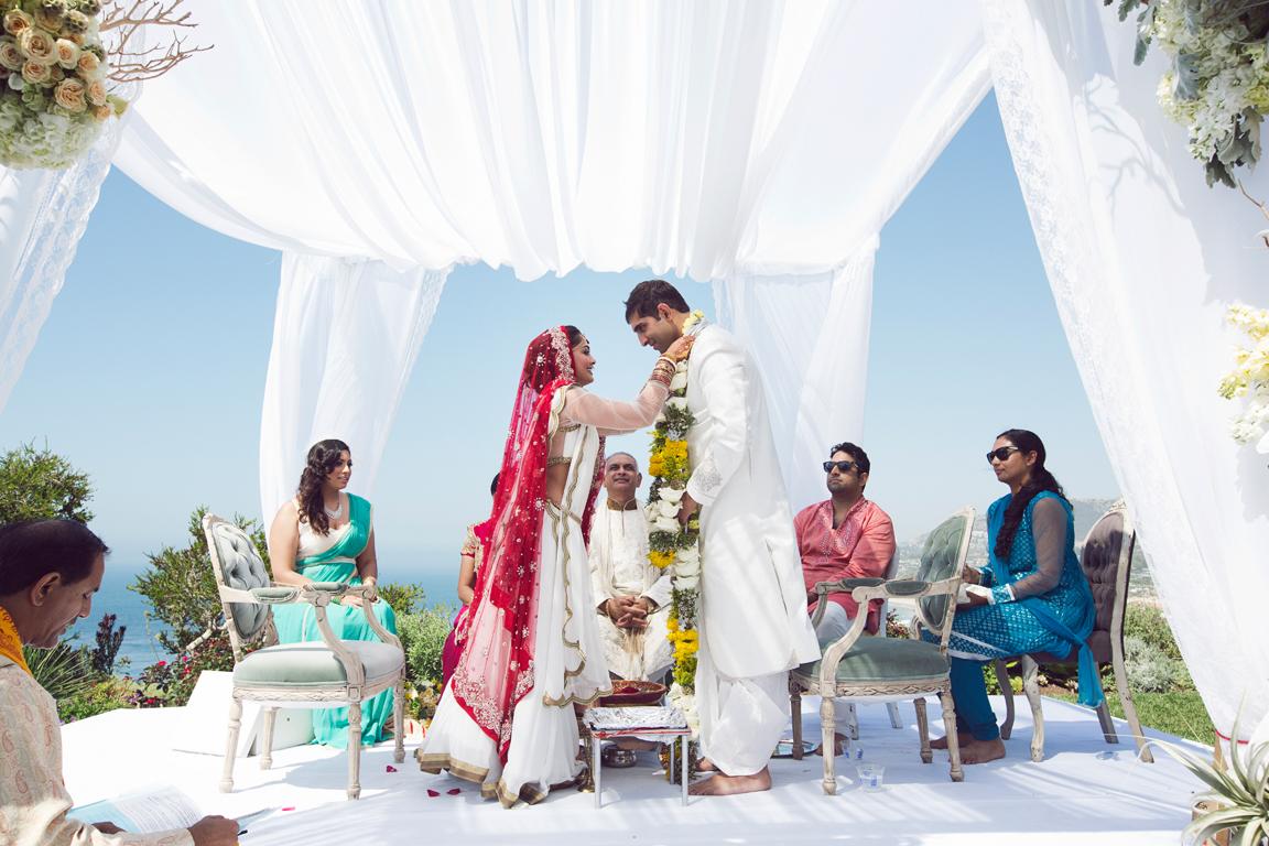 25_dukephotography_dukeimages_wedding_034_duke_photography_dukeimages_dukephoto_weddings_photojournalistic_outdoors.jpg