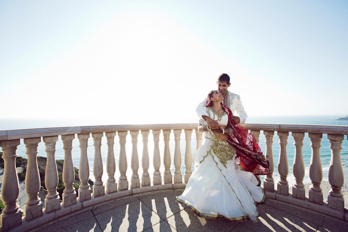 31_dukephotography_dukeimages_wedding_049_duke_photography_dukeimages_dukephoto_weddings_photojournalistic_outdoors.jpg
