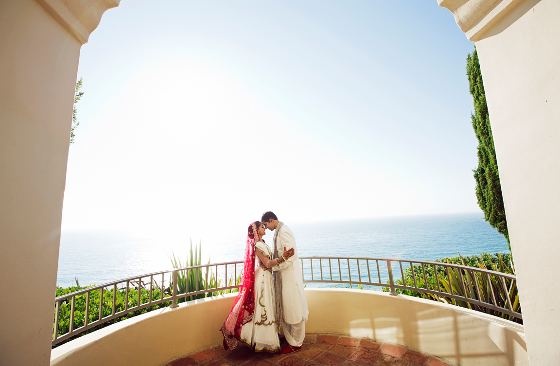 34_dukephotography_dukeimages_wedding_045_duke_photography_dukeimages_dukephoto_weddings_photojournalistic_outdoors.jpg