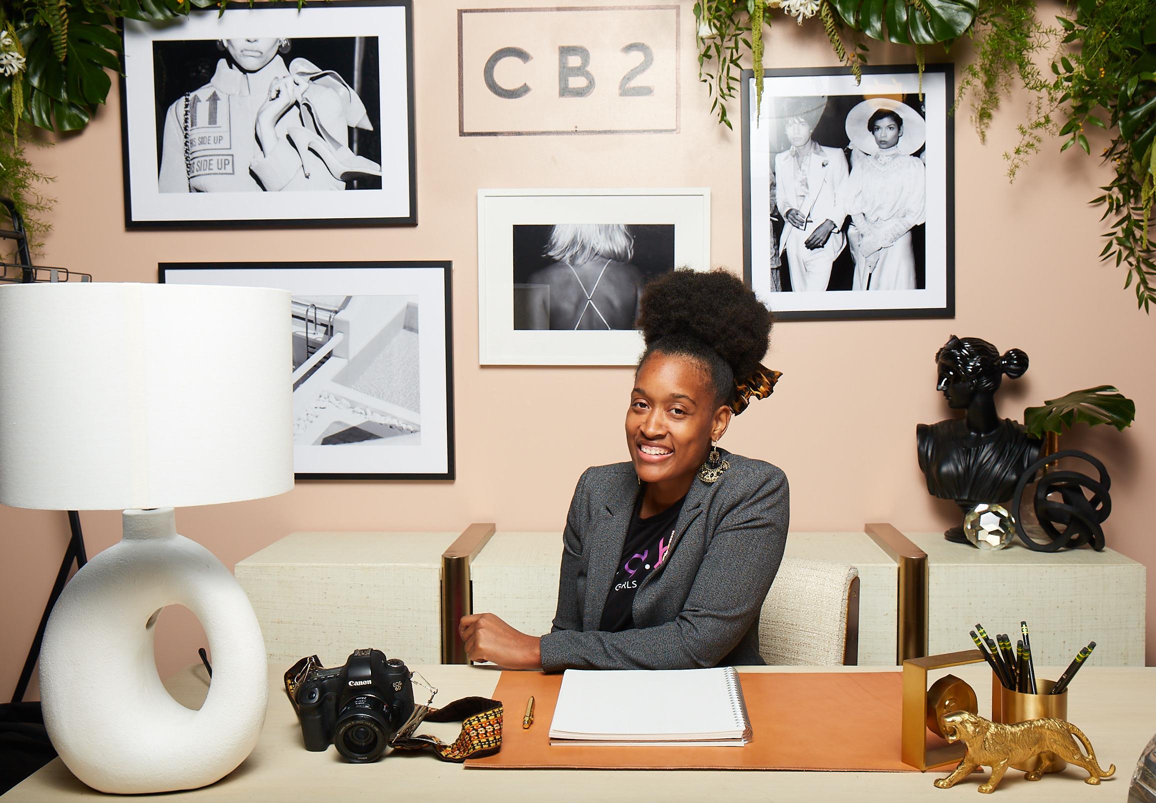 Deanna — Owner, Senior Photographer + Creative Consultant