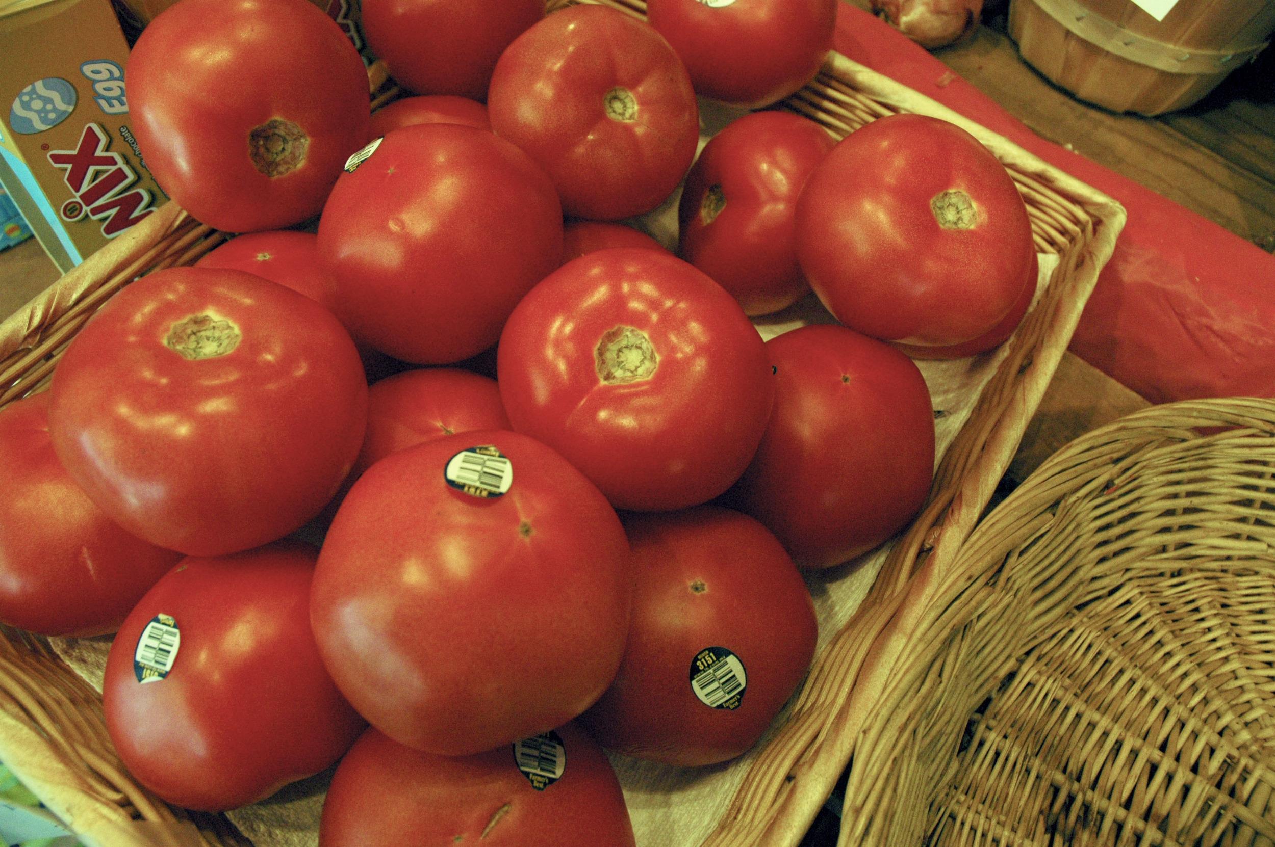 Tomato desat.jpg