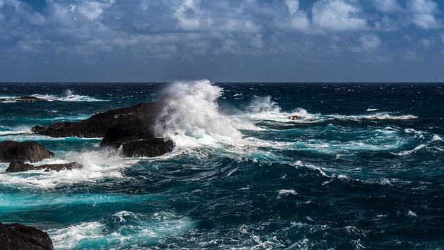 ocean-3395598_640.jpg