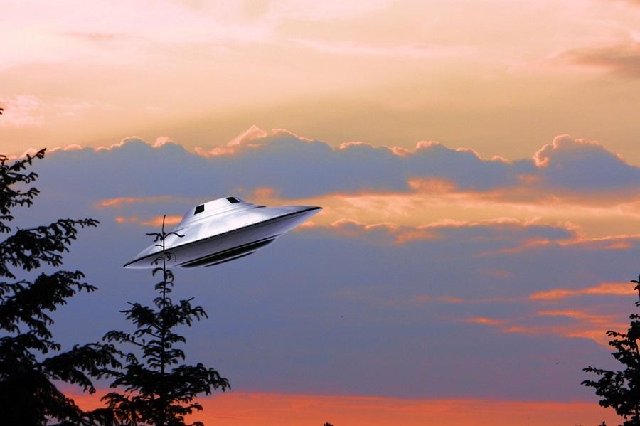 ufo-1194320_1280.jpg
